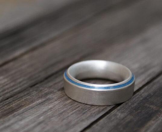 Ring Silber925/- mit Emaillestreifen auf schräger Fase_obreiter